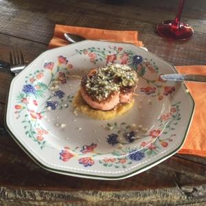 Salmon sobre Pastel de Platano